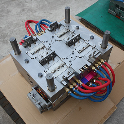 high-precision-auto-injection-mould-for-fuse-1-280-1b