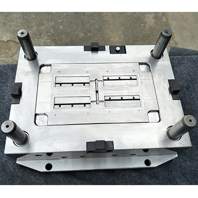 hot-cold-runner-automotive-injection-mold-for-led-protector-01-294c